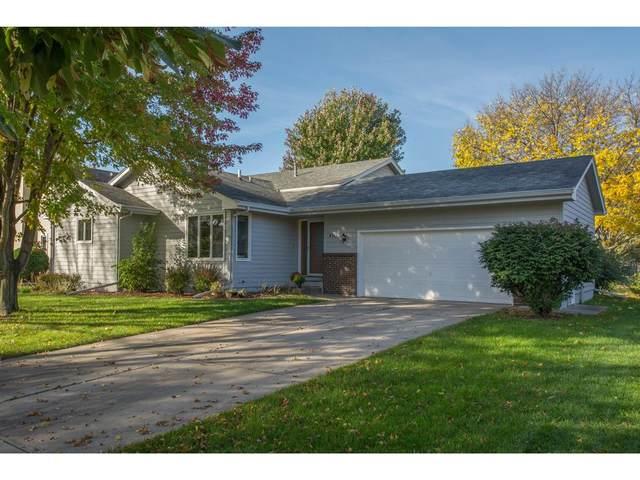 410 NE Stoneridge Drive, Ankeny, IA 50021 (MLS #549951) :: Colin Panzi Real Estate Team