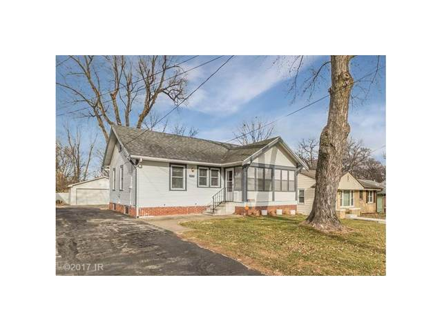 2715 Arnold Road, Des Moines, IA 50310 (MLS #551925) :: Colin Panzi Real Estate Team