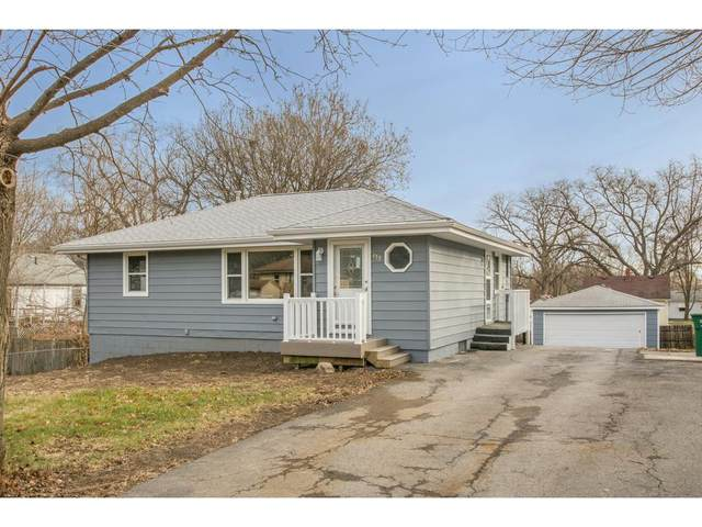 435 N 2nd Street, Carlisle, IA 50047 (MLS #552406) :: Better Homes and Gardens Real Estate Innovations