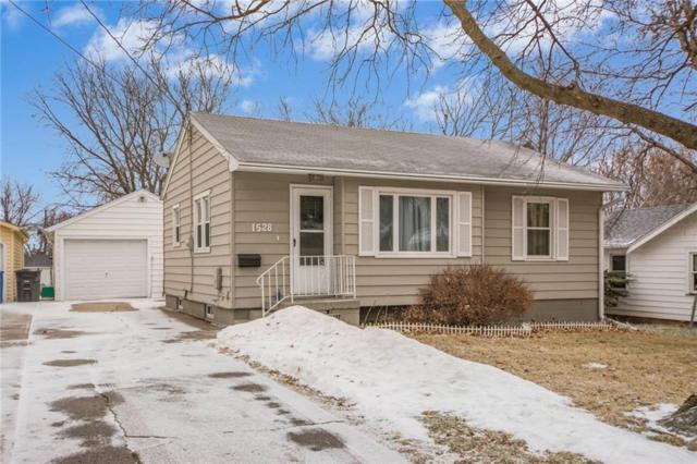 1528 Milton Avenue, Des Moines, IA 50316 (MLS #555242) :: Moulton & Associates Realtors