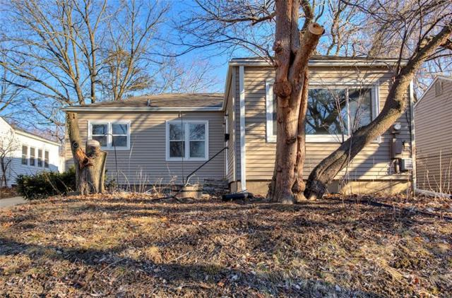 2823 Holcomb Avenue, Des Moines, IA 50310 (MLS #556642) :: Colin Panzi Real Estate Team