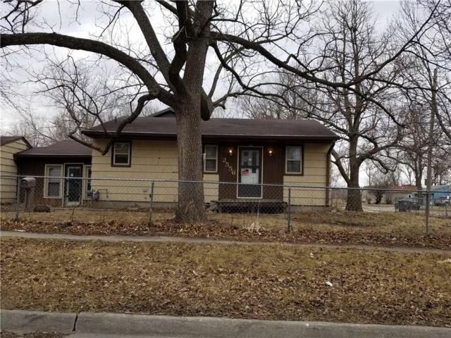 2556 Garfield Avenue, Des Moines, IA 50317 (MLS #557012) :: Moulton & Associates Realtors