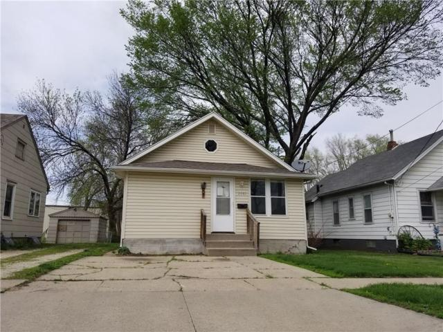 2042 E Maple Street, Des Moines, IA 50317 (MLS #561076) :: Moulton & Associates Realtors