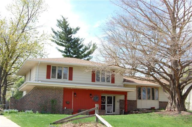 2924 Woodland Avenue, West Des Moines, IA 50266 (MLS #561441) :: Moulton & Associates Realtors