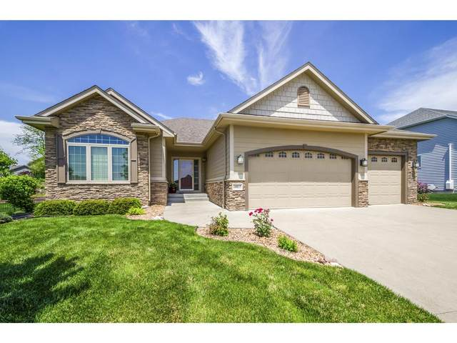 16817 Tanglewood Drive, Clive, IA 50325 (MLS #561466) :: Better Homes and Gardens Real Estate Innovations
