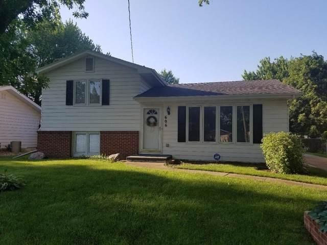 606 Hart Avenue, Des Moines, IA 50315 (MLS #561896) :: Pennie Carroll & Associates