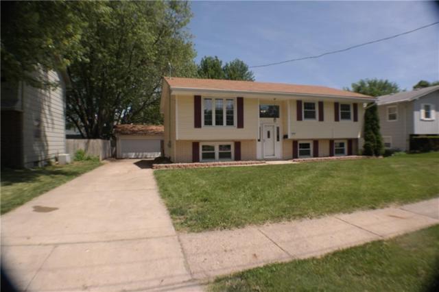 4413 38th Street, Des Moines, IA 50310 (MLS #561950) :: Pennie Carroll & Associates