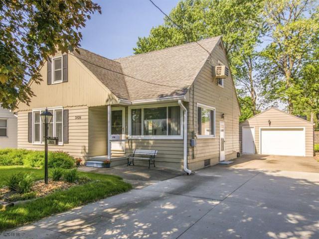3826 52nd Street, Des Moines, IA 50310 (MLS #561995) :: Pennie Carroll & Associates