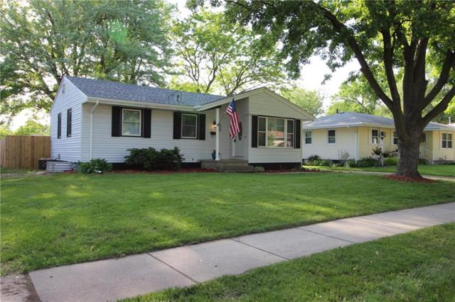 2700 E 38th Court, Des Moines, IA 50317 (MLS #562005) :: Pennie Carroll & Associates