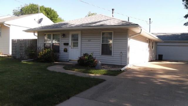 717 W Jackson Street, Knoxville, IA 50138 (MLS #562685) :: Moulton & Associates Realtors