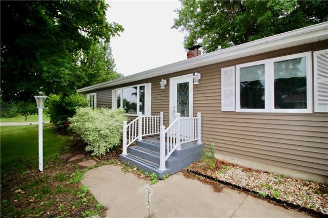 930 13th Avenue, Grinnell, IA 50112 (MLS #563025) :: Moulton & Associates Realtors