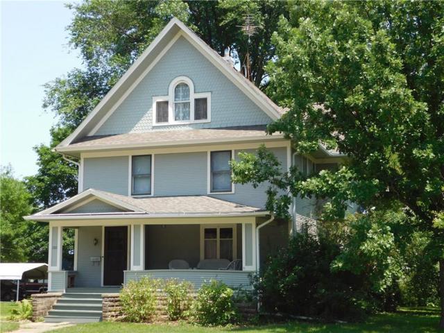 1322 West Street, Grinnell, IA 50112 (MLS #563492) :: Moulton & Associates Realtors
