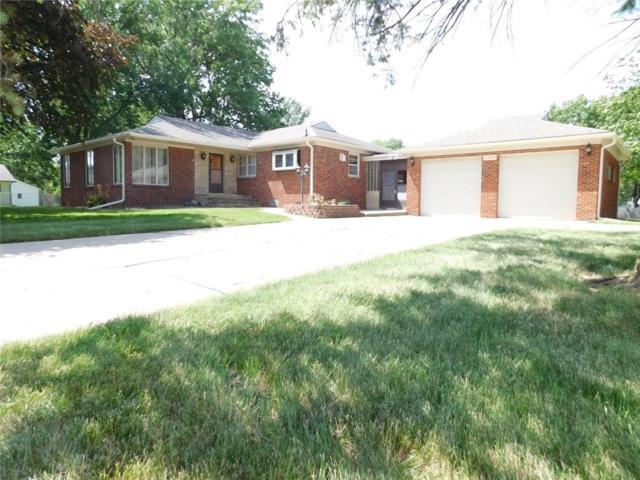 5200 E Oakwood Drive, Pleasant Hill, IA 50327 (MLS #563521) :: Colin Panzi Real Estate Team