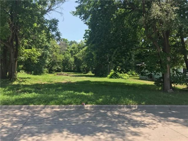 3303 E 37th Street, Des Moines, IA 50317 (MLS #565220) :: Better Homes and Gardens Real Estate Innovations
