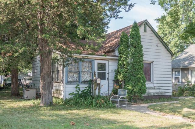 2831 Logan Avenue, Des Moines, IA 50317 (MLS #566433) :: Moulton & Associates Realtors