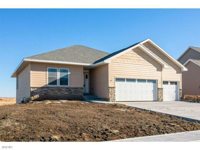 290 NE Oak Avenue, Earlham, IA 50072 (MLS #566506) :: Better Homes and Gardens Real Estate Innovations