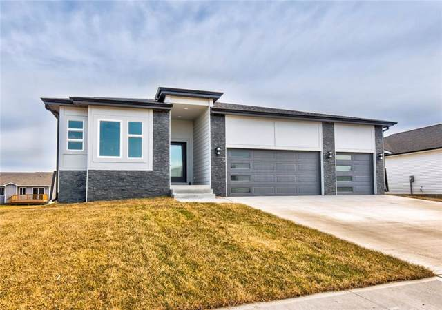 835 9th Street, Waukee, IA 50263 (MLS #569441) :: Pennie Carroll & Associates