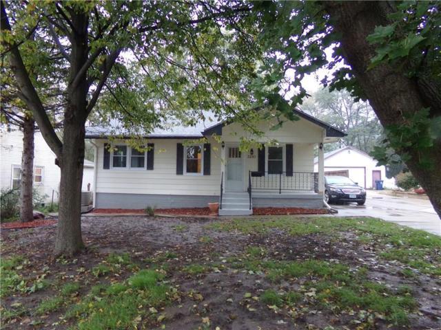 3210 68th Street, Urbandale, IA 50322 (MLS #571168) :: Colin Panzi Real Estate Team