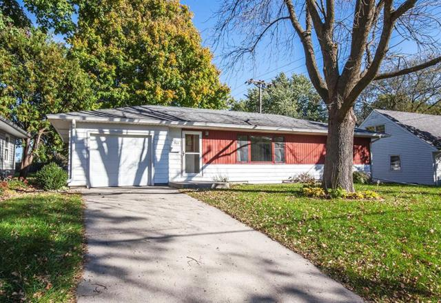 216 16th Street, Ames, IA 50010 (MLS #571387) :: Colin Panzi Real Estate Team