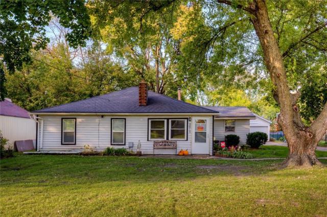 5015 Urbandale Avenue, Des Moines, IA 50310 (MLS #571391) :: Pennie Carroll & Associates