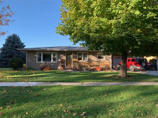 613 Longlane Drive W, Knoxville, IA 50138 (MLS #571411) :: Colin Panzi Real Estate Team