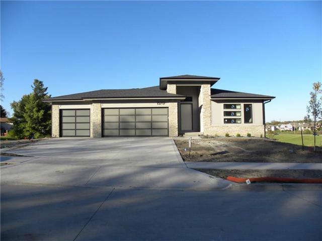 15717 Hickory Drive, Urbandale, IA 50323 (MLS #571487) :: Colin Panzi Real Estate Team