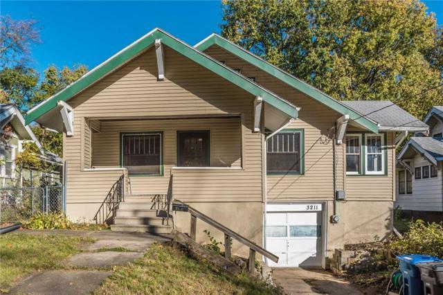 3211 8th Street, Des Moines, IA 50313 (MLS #571508) :: Colin Panzi Real Estate Team