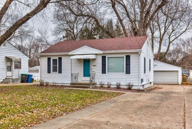 3837 43rd Street, Des Moines, IA 50310 (MLS #573680) :: Better Homes and Gardens Real Estate Innovations