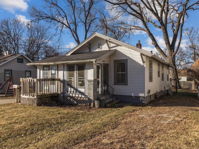 2402 61st Street, Des Moines, IA 50322 (MLS #574883) :: Colin Panzi Real Estate Team