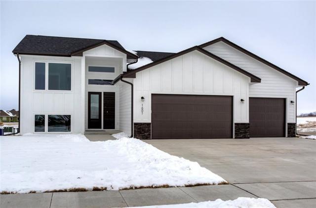 1601 NW Prairie Creek Drive, Grimes, IA 50111 (MLS #575302) :: Moulton & Associates Realtors