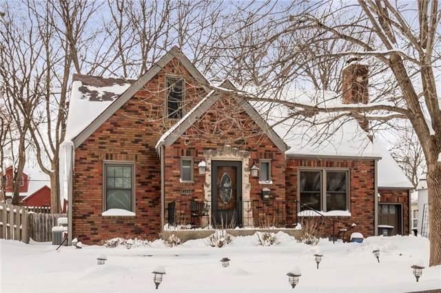 2910 47th Street, Des Moines, IA 50310 (MLS #576511) :: Moulton & Associates Realtors