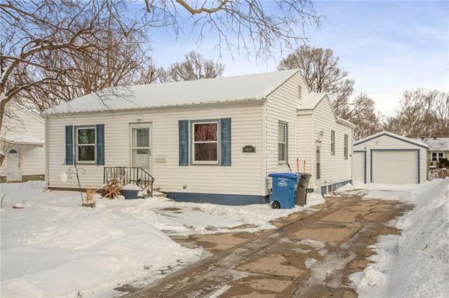 4019 15th Street, Des Moines, IA 50313 (MLS #576561) :: Moulton & Associates Realtors