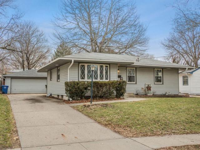 2821 E 39th Street, Des Moines, IA 50317 (MLS #578261) :: Colin Panzi Real Estate Team