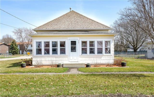 201 S West Avenue, Baxter, IA 50028 (MLS #579310) :: Better Homes and Gardens Real Estate Innovations
