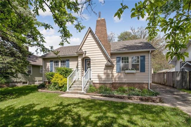 2415 46th Street, Des Moines, IA 50310 (MLS #583237) :: Colin Panzi Real Estate Team