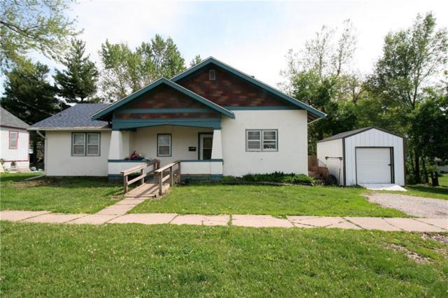 208 W Wall Street, Centerville, IA 52544 (MLS #583547) :: Kyle Clarkson Real Estate Team
