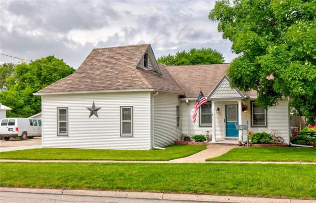 312 S 4th Avenue, Winterset, IA 50273 (MLS #584192) :: Kyle Clarkson Real Estate Team