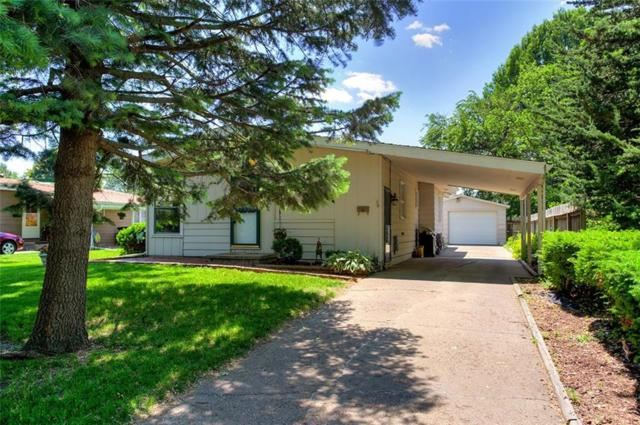 2533 E Ovid Avenue, Des Moines, IA 50317 (MLS #584480) :: Pennie Carroll & Associates