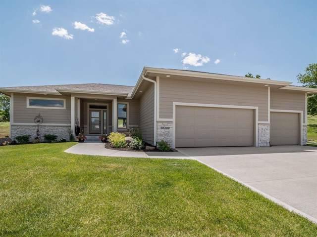 10200 Hidden Valley Drive, Johnston, IA 50131 (MLS #584525) :: Kyle Clarkson Real Estate Team