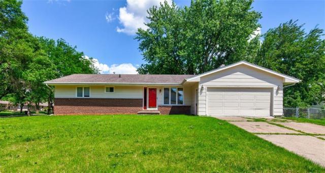 190 Gray Avenue, Waukee, IA 50263 (MLS #584711) :: Kyle Clarkson Real Estate Team