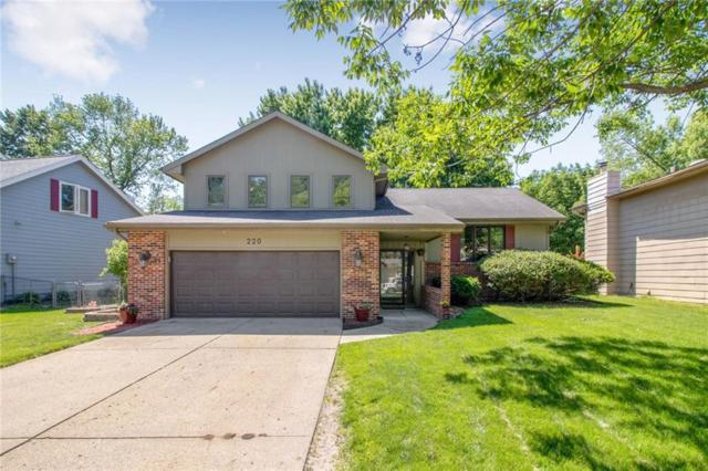 220 38th Street, West Des Moines, IA 50265 (MLS #584799) :: Kyle Clarkson Real Estate Team