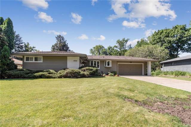 1706 Watrous Avenue, Des Moines, IA 50315 (MLS #584822) :: Kyle Clarkson Real Estate Team