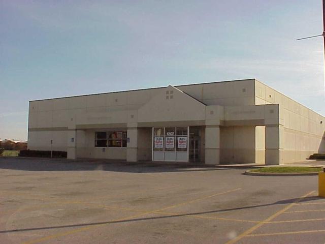 1207 First Avenue E, Newton, IA 50208 (MLS #585208) :: Pennie Carroll & Associates