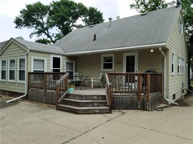 3702 54th Street, Des Moines, IA 50310 (MLS #585212) :: Pennie Carroll & Associates