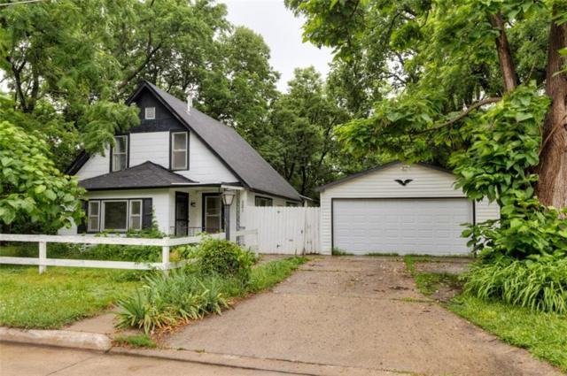 521 Leland Avenue, Des Moines, IA 50315 (MLS #585446) :: Pennie Carroll & Associates