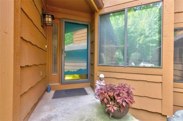 7020 Oak Brook Drive, Urbandale, IA 50322 (MLS #585485) :: Pennie Carroll & Associates