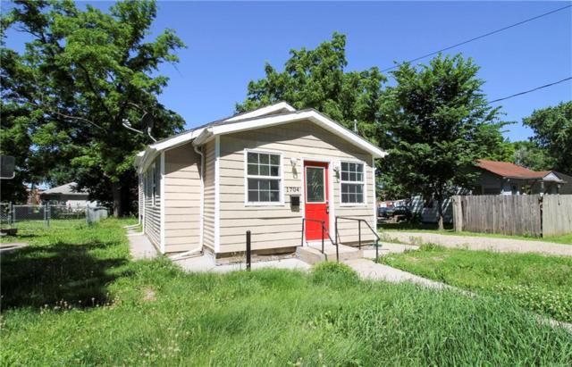 1704 E 21st Street, Des Moines, IA 50317 (MLS #585608) :: Pennie Carroll & Associates