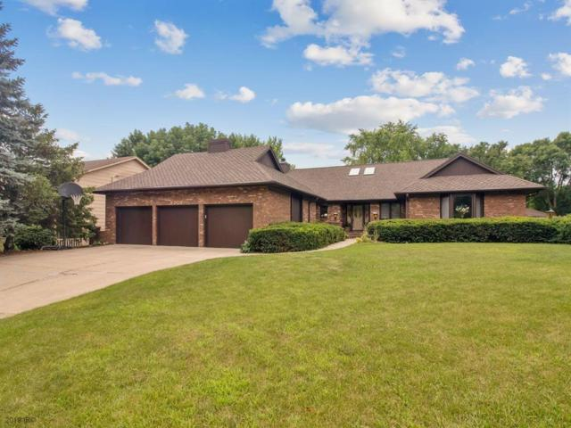 9706 Tanglewood Drive, Urbandale, IA 50322 (MLS #587120) :: Better Homes and Gardens Real Estate Innovations