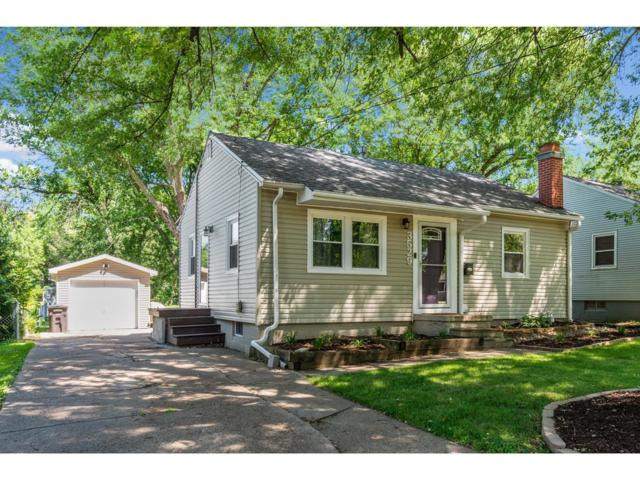 3529 52nd Street, Des Moines, IA 50310 (MLS #587466) :: Colin Panzi Real Estate Team