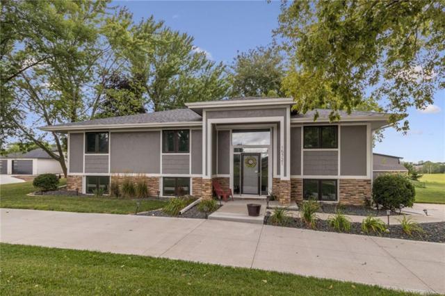 15721 Meredith Drive, Urbandale, IA 50323 (MLS #589196) :: Pennie Carroll & Associates
